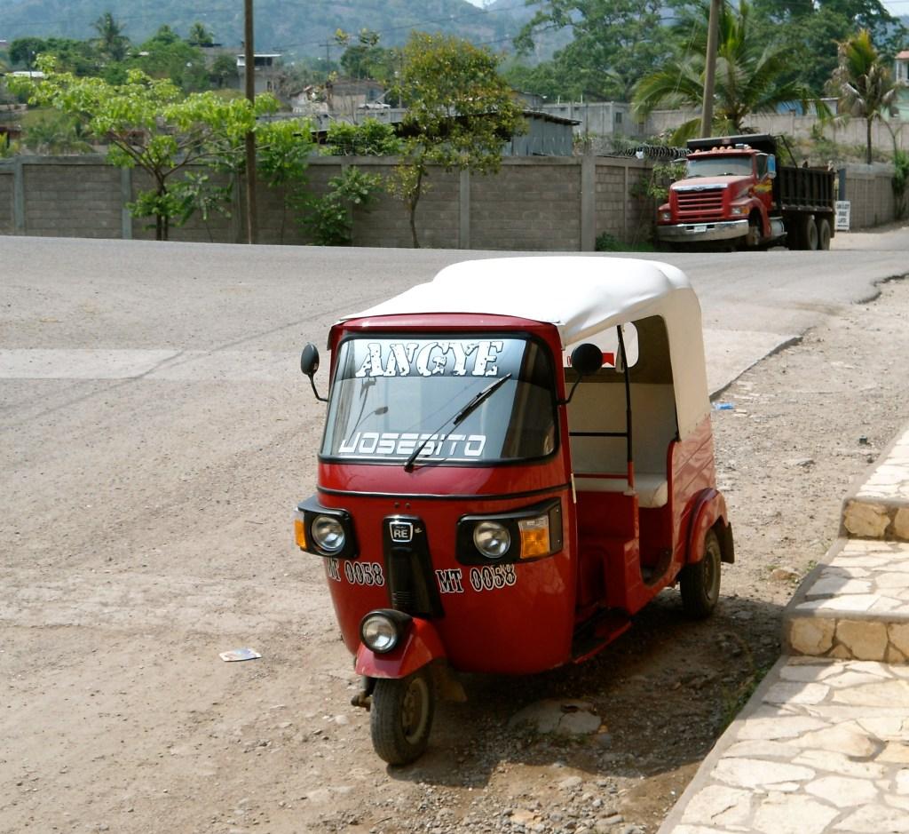 Tuk-tuk, the favorite transportation method in Honduras