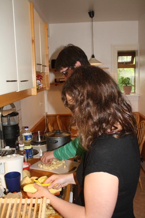 Cuisine collective dans un hébergement Airbnb