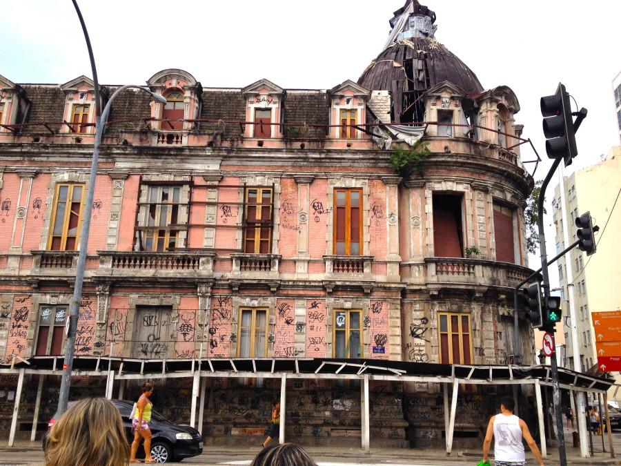 Broken building in Rio de Janeiro