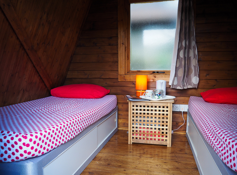 Intérieur des Camping Pods de Red Dragon Holidays au Pays de Galles.