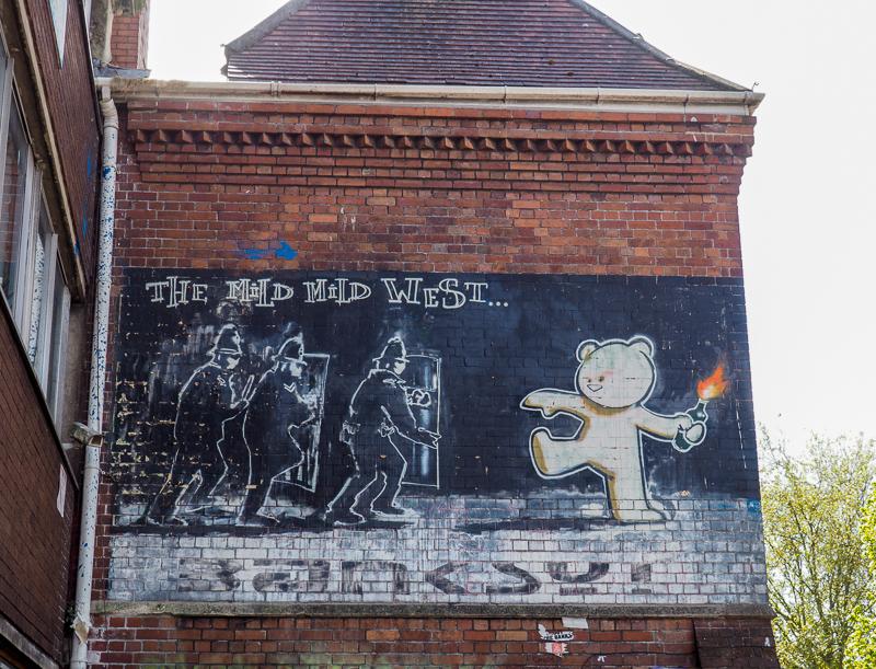 Mild Mild West, une des premières oeuvres de Banksy.