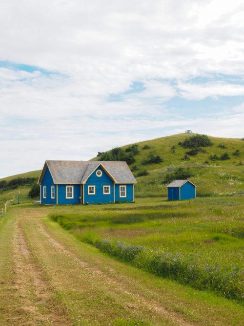 Maison bleue aux Îles de la Madeleine
