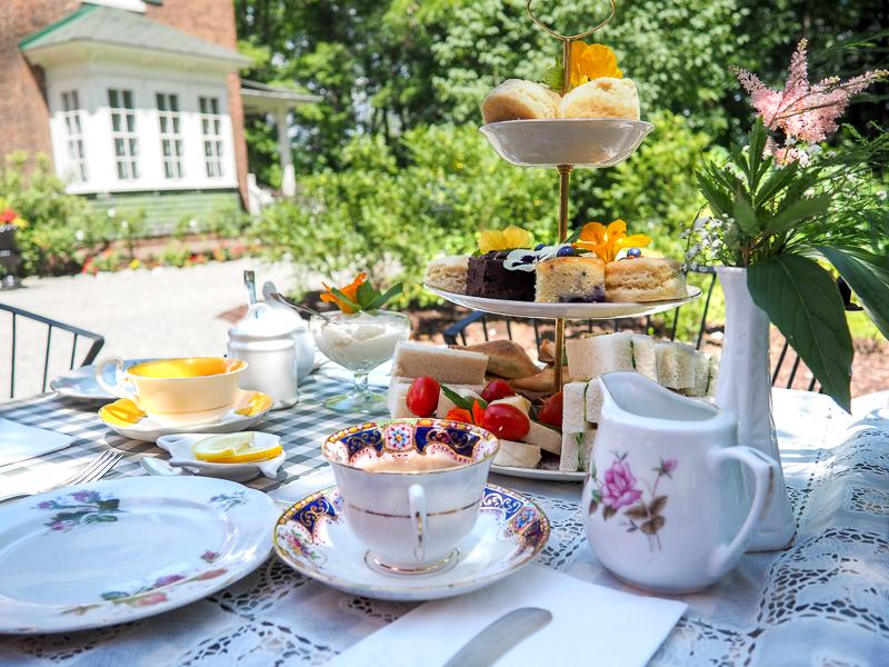 Service de thé à l'anglaise dans les Cantons-de-l'Est