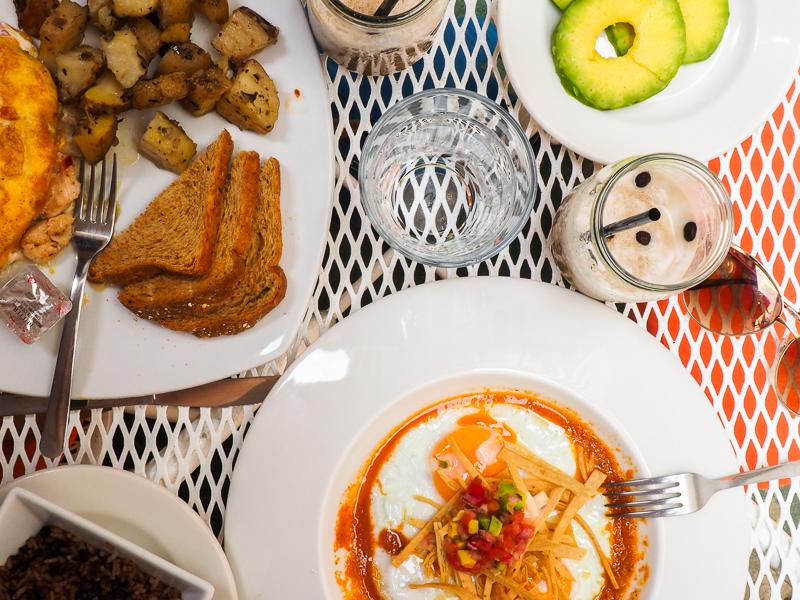 Déjeuner à San Juan des Sur au Nicaragua