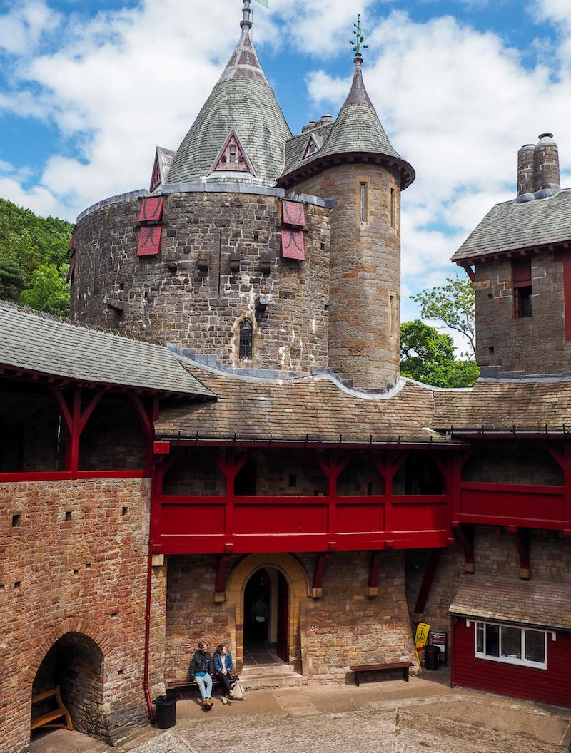Cours intérieure du Château Rouge au Pays de Galles