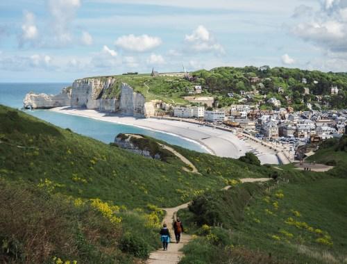 Visiter les falaises blanches d'Étretat en Normandie