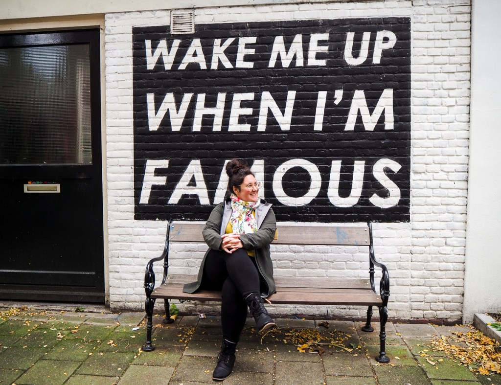 Murale Wake Me Up When I'm Famous dans le quartier Pijp d'Amsterdam