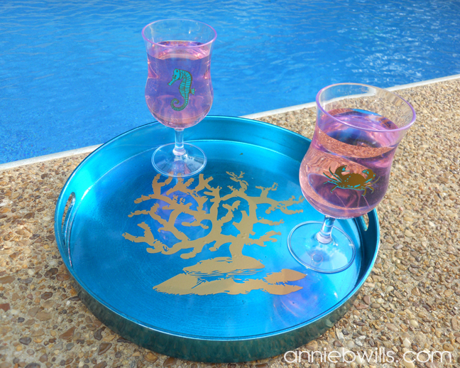 summertime-beverage-serving-set-poolside