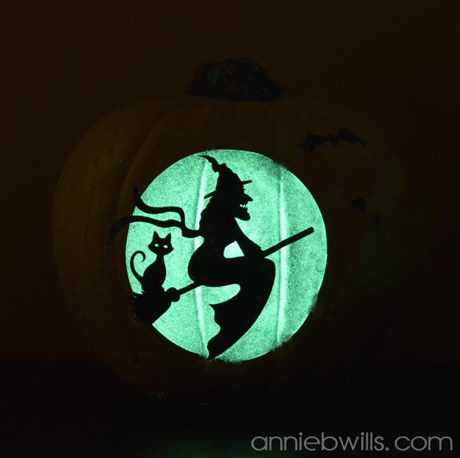 Glow in the Dark Vinyl Pumpkins by Annie Williams - Small Detail