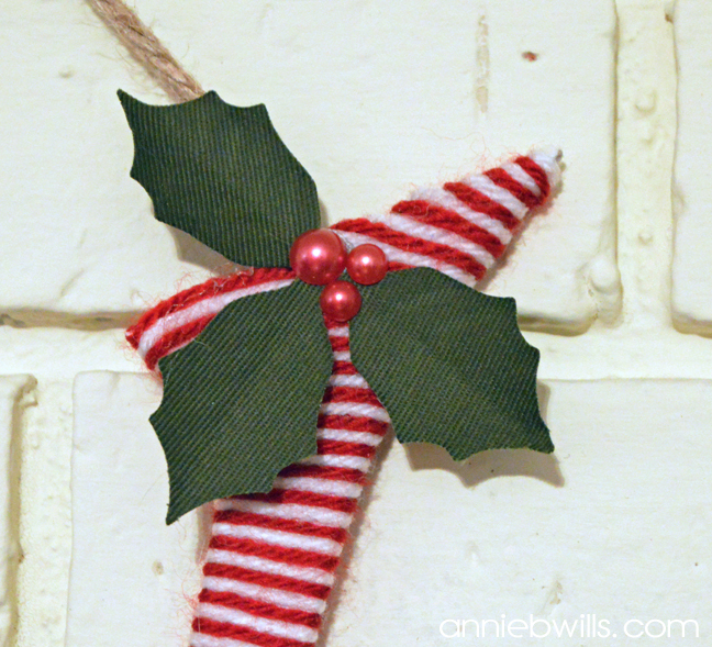 christmas-monogram-ornament-by-annie-williams-detail-2