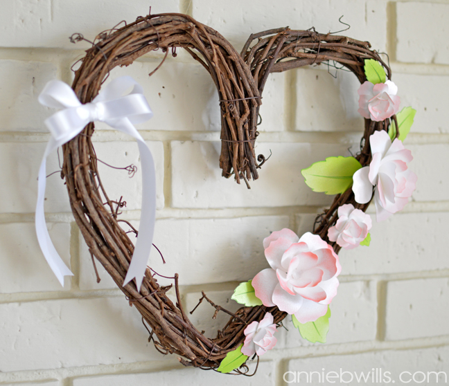 Springtime Heart Wreath by Annie Williams - Side