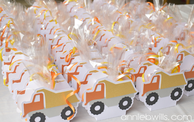 construction-party-decor-by-annie-williams-dumptruck-favors