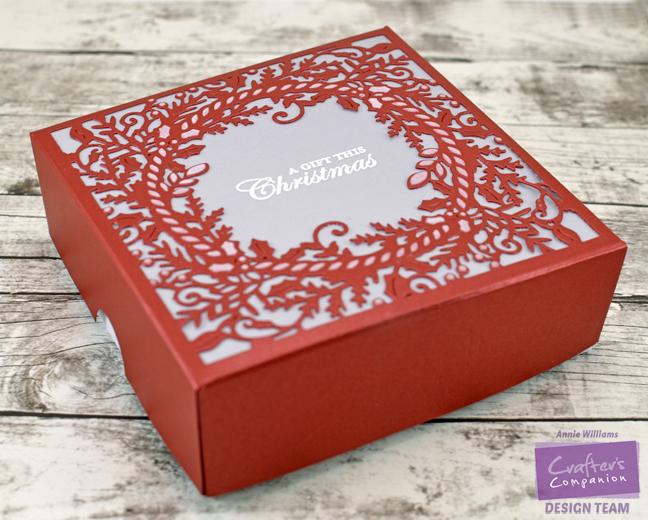 easy-wreath-gift-box-by-annie-williams-main