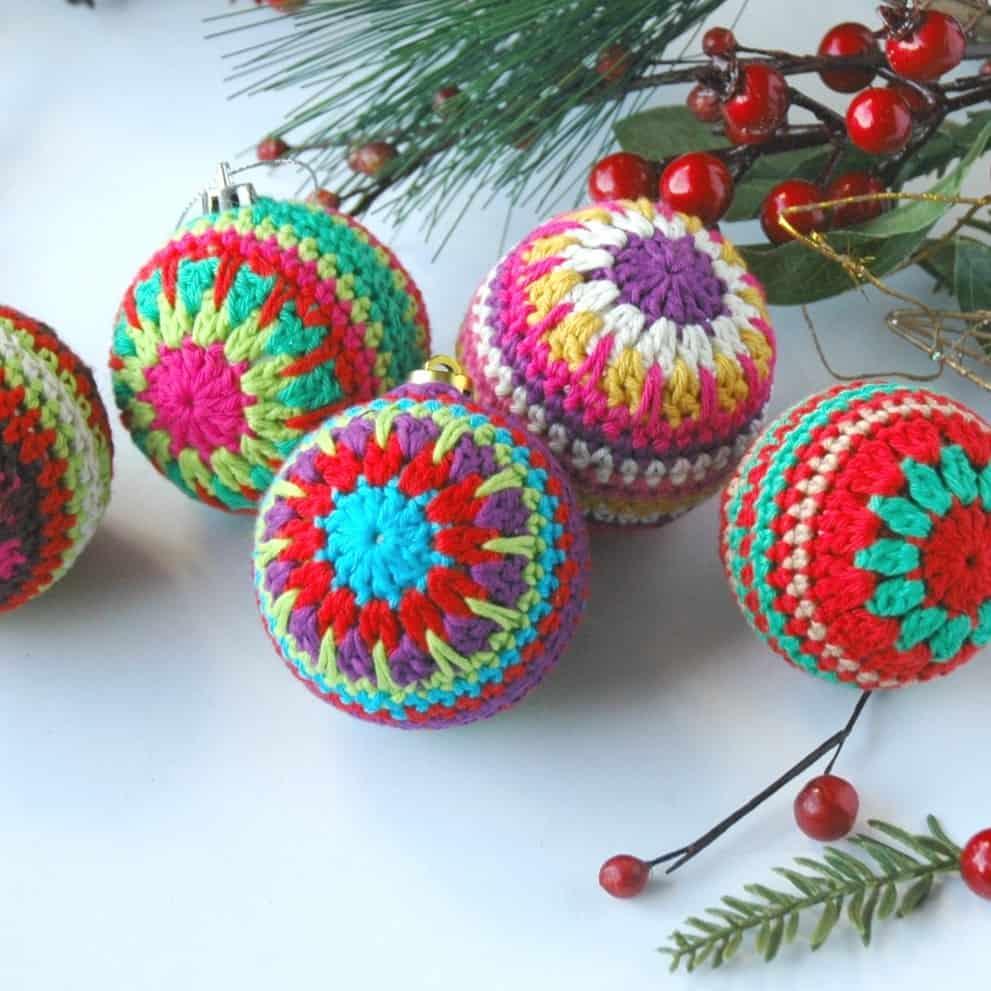 Christmas Baubles – Free Crochet Pattern