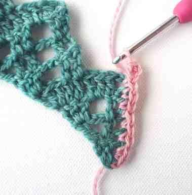 Flora Shawl – One Skein Free Crochet Pattern – Annie Design