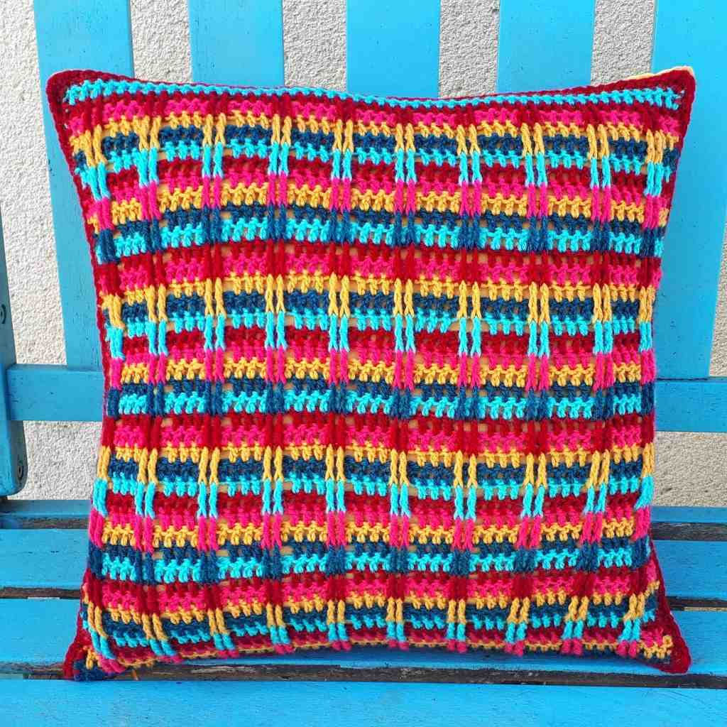 Boho Pillow – Free Crochet Pattern