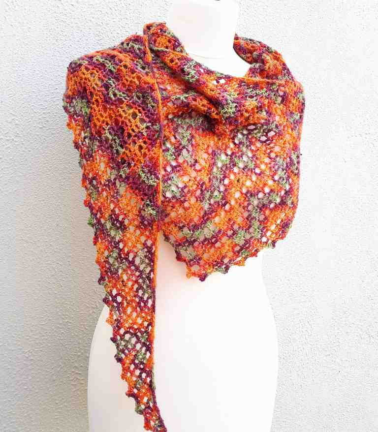 Free pattern for a one skein crochet shawl