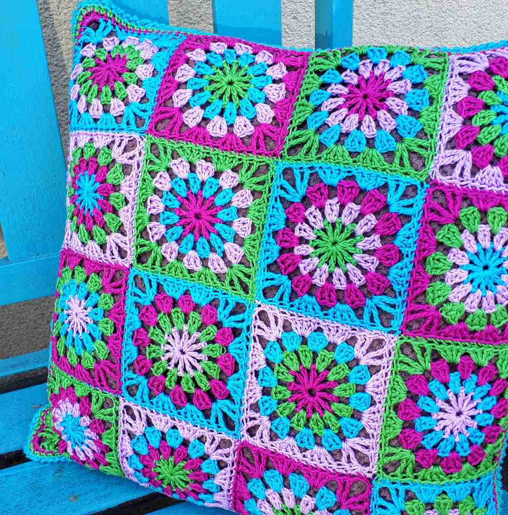 Crochet Granny Circle in a Square Pillow – Free Pattern