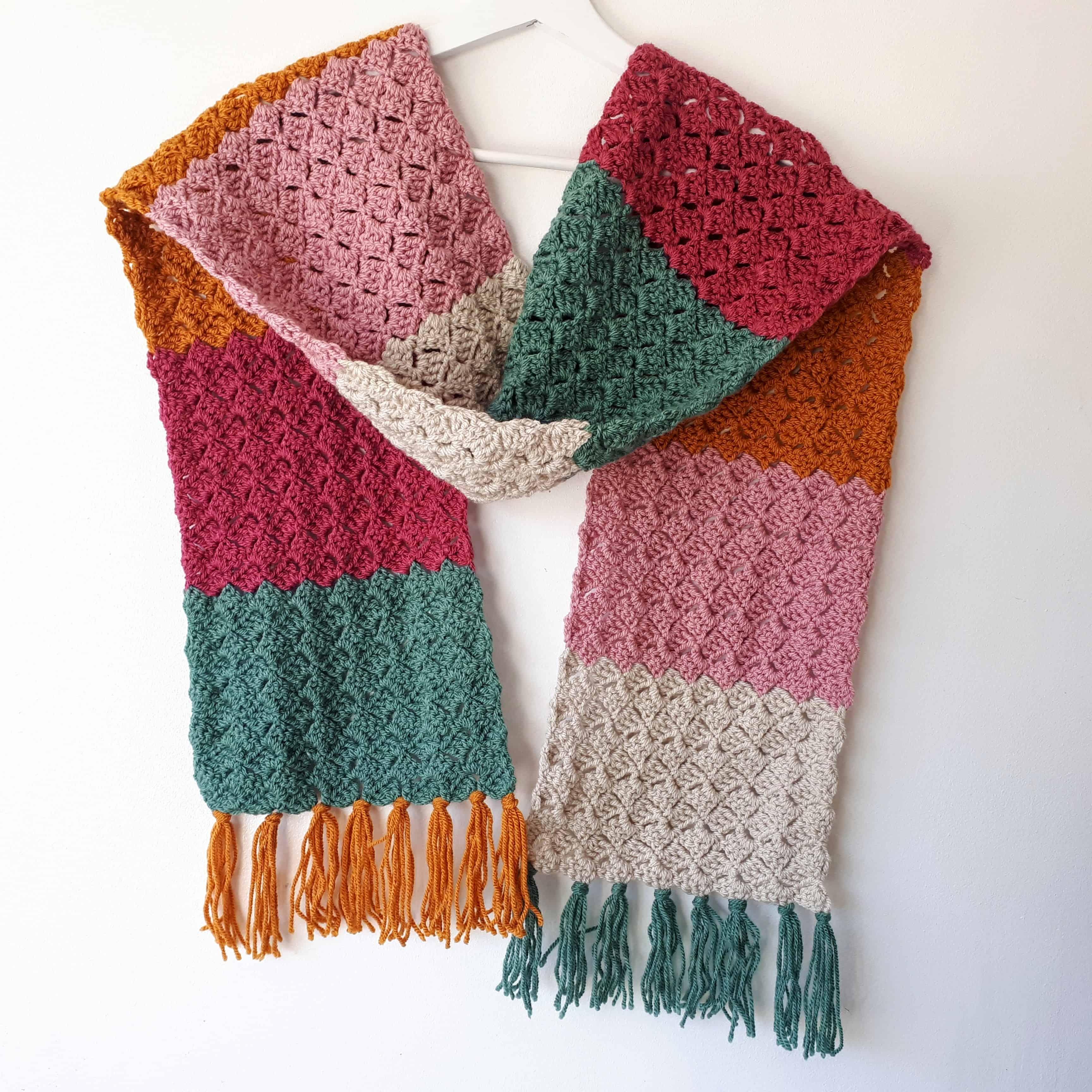 Crochet Color-Block Scarf - Easy Free Pattern - Annie Design Crochet - Crochet Scarf