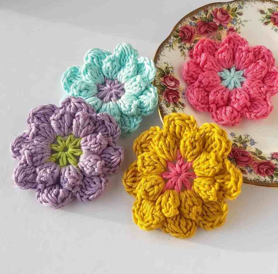 easy crochet flowers pattern