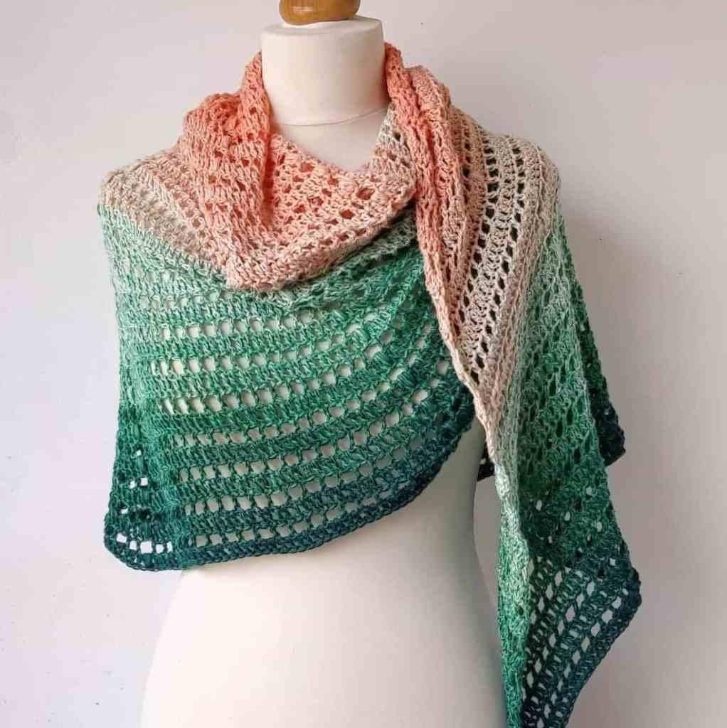 Semi-Circle Crochet Shawl Pattern – Apricot Rose