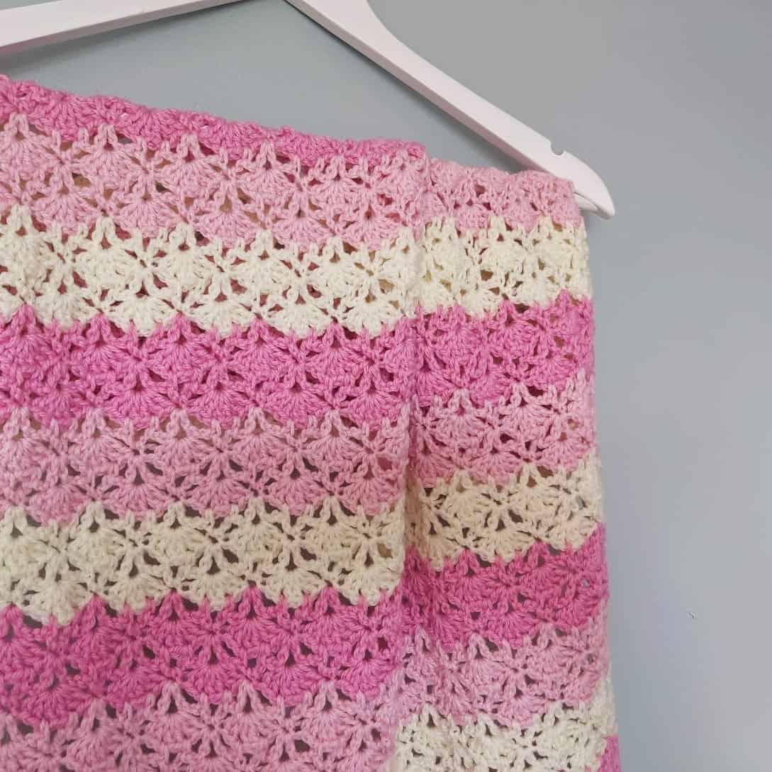Lacy Shells Crochet Baby Blanket   Annie Design Crochet