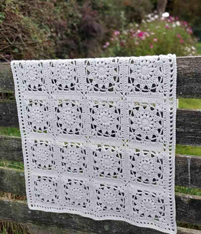 crochet flower square baby blanket pattern