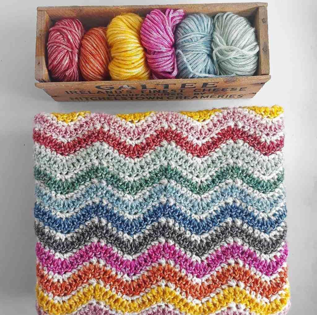 Easy Ripple Crochet Blanket – Sunny Ripple