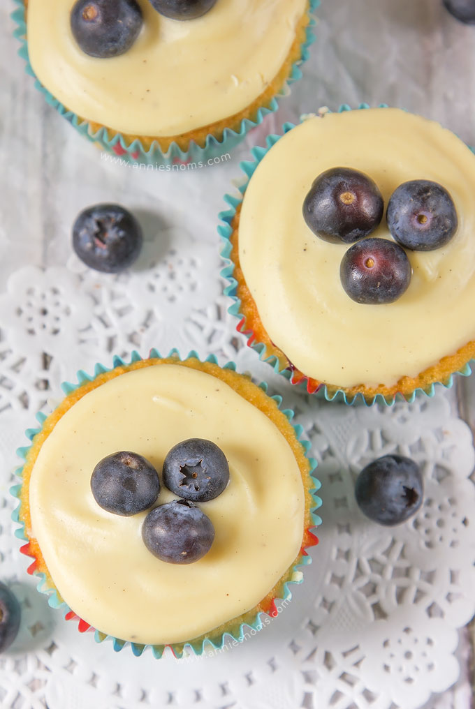 Blueberry and White Chocolate Cupcakes | Annie's Noms