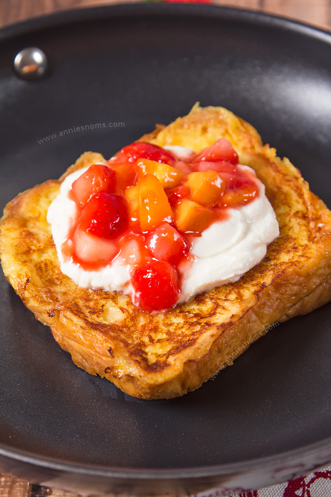 Love decadent brunches on the weekend? Then make my Strawberry Peach Stuffed French Toast with Honeyed Ricotta! It might sound complex, but nothing could be further from the truth. Crispy, sweet and filled with flavour, this will become your new favourite French Toast recipe!