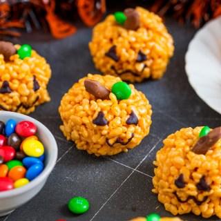 Pumpkin Rice Krispie Treats – {Kid friendly Halloween treat!}