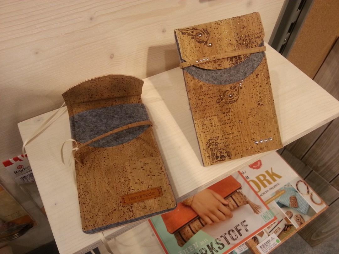 Genähte Handytaschen aus Kork (Rayher)