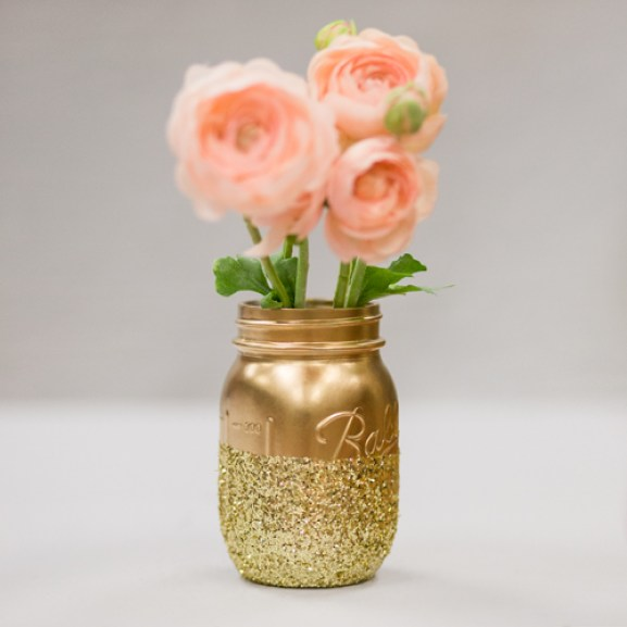 mason jar crafts, mason jar ideas, DIY Glitter Mason Jar Centerpiece