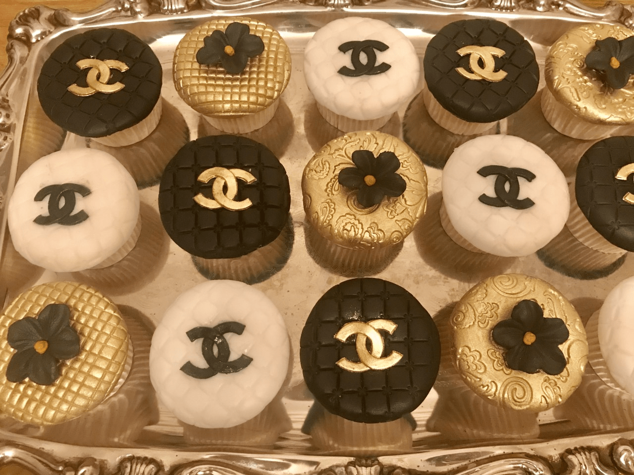 Terrific Chanel Cup Cakes Anns Designer Cakes Funny Birthday Cards Online Fluifree Goldxyz