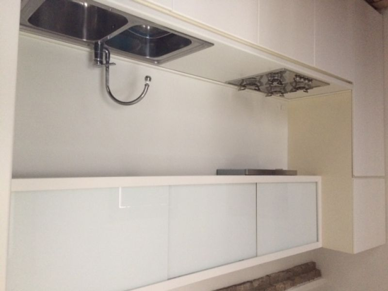 Mobile cucina colore bianco  frigorifero SMEG