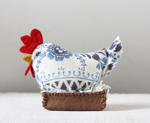 blue and white hen