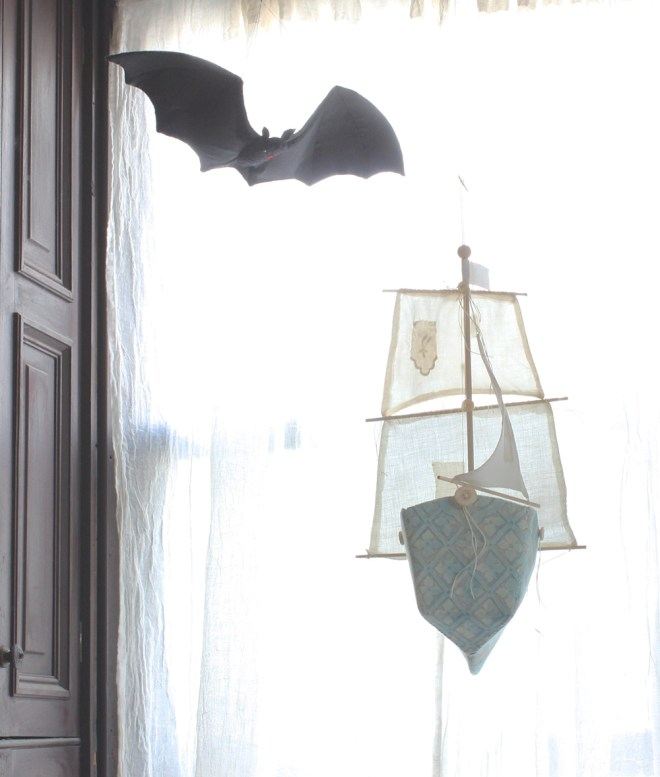 fortuny ship and bat