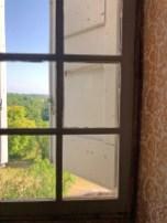chateau_window