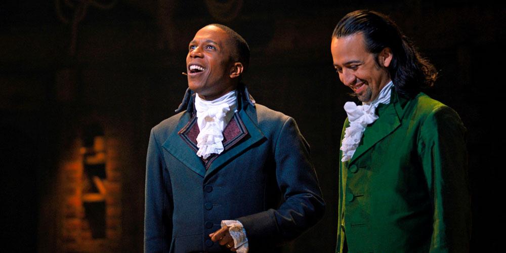 Aaron Burr e Alexander Hamilton nel musical su Disney+