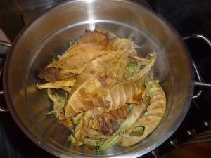Steamed tobacco leaves