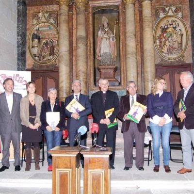Autoridades asistentes, con los protagonistas del evento
