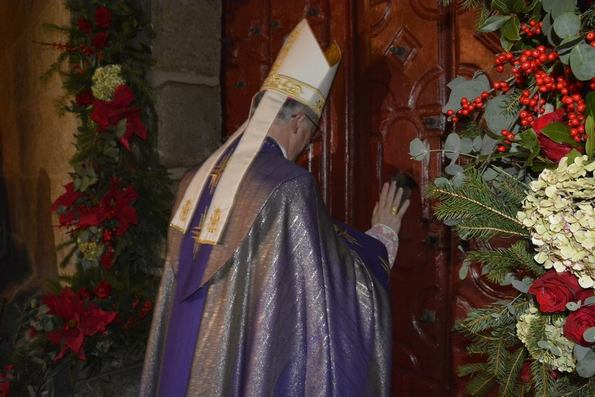 Apertura porta misericordia 2
