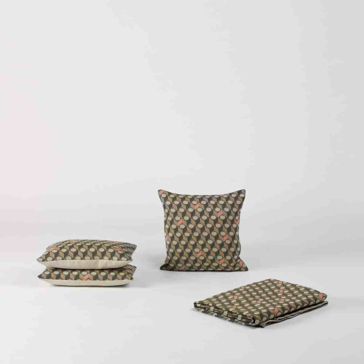 soft-series-small-cubes-cushion-another-country-002