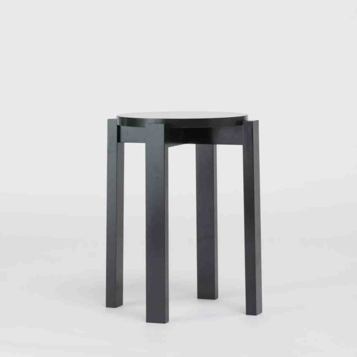 stool-four-dutch-monument-green-another-country-003