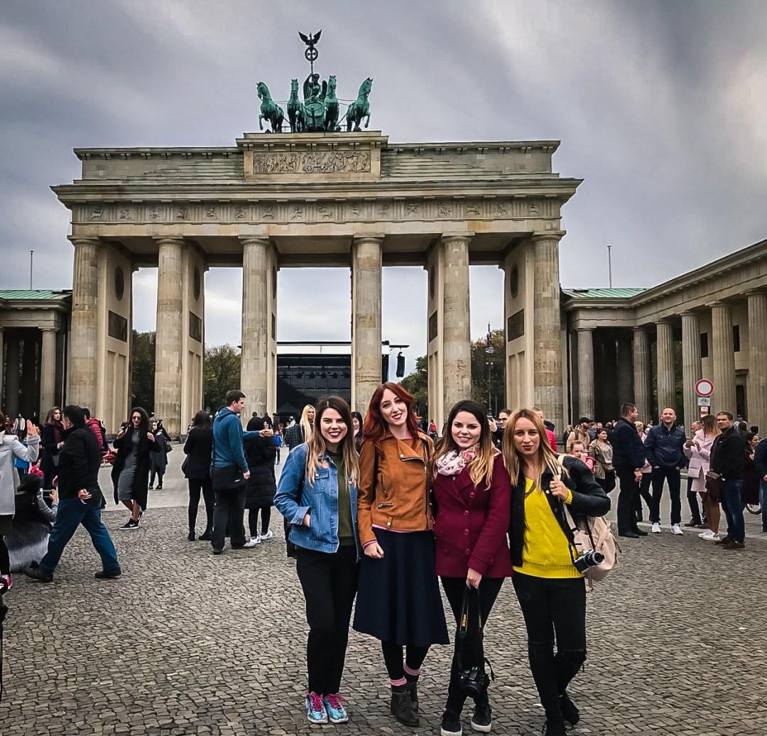 brandenburg gate berlin travel bloggers