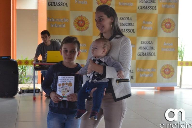 lançamento livro escola girassol (101)