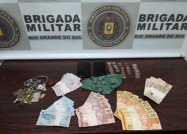 Brigada Militar de Catuípe prende indivíduo por tráfico de entorpecentes