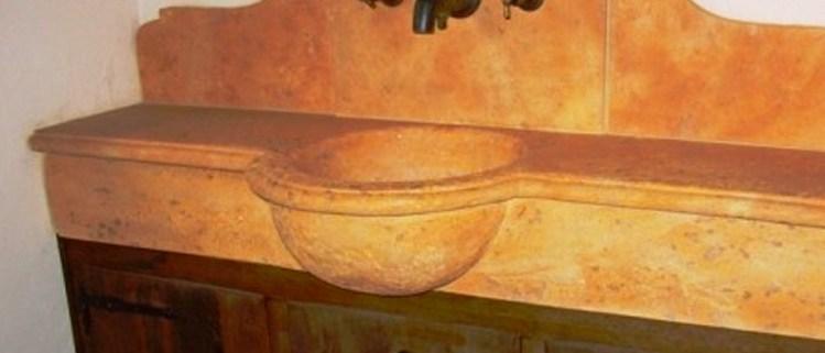 Antieke kranen, wastafels, spoelbakken, afvoer, crepine, kraansierstukken, etc.