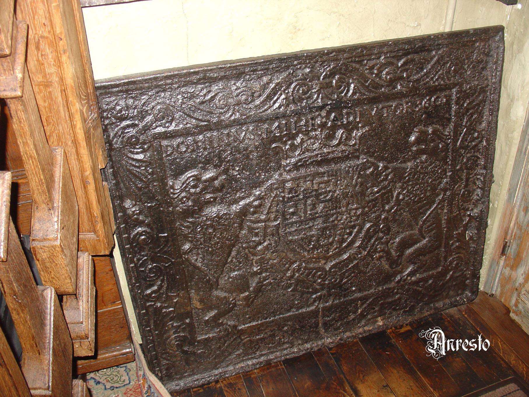 Antieke Gietijzeren Haardplaat.Ref 15 Antieke Gietijzeren Franse Haardplaat Met