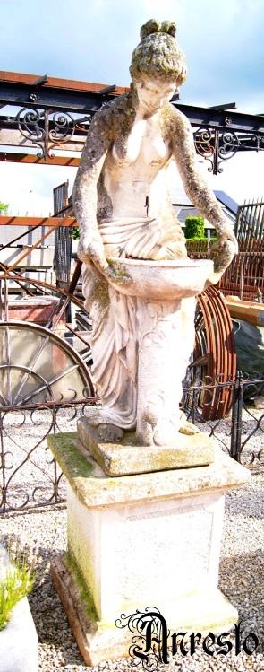 Ref. 09 - Badende vrouw